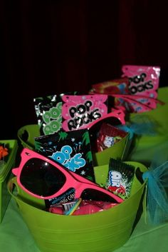 Glow in the Dark Party Ideas for Teenagers | glow in the dark / Birthday / Featured Photo: gift basket