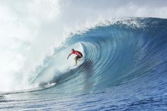 World Surf League: Fiji Pro Round 4 and 5 started. Gabriel Medina and Kelly Slater received perfect 10 in Round 4.