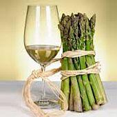 Nederlandse wijn en asperges -