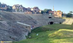 Durazzo e i resti del grande anfiteatro Romano