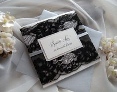 Invitación invitación de la boda de encaje encaje rojo boda Wedding Invitation Packages, Wedding Invitations, Louis Vuitton Monogram, Gift Wrapping, Etsy, Weddings, Pattern, Seating Plans, Red Lace