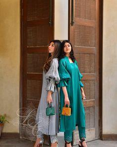 Pakistani Fashion Party Wear, Pakistani Dresses Casual, Pakistani Bridal Dresses, Pakistani Dress Design, Indian Fashion, Beautiful Frocks, Beautiful Dress Designs, Stylish Dress Designs, Unique Dresses