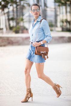 Alessandra Ambrosio con borsa di Tod's
