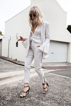 by Sania Claus Demina The last month of summer is next week, and it's going to be your time to shine! Got a closet full of clothes but nothing to wear? Have a look at these 31 perfect outfits and get