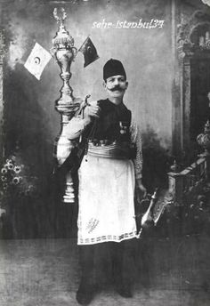 Siraci 1900'ler Old Pictures, Old Photos, Istanbul, Ottoman Turks, Dome Of The Rock, Ottoman Empire, Historical Pictures, World Cultures, Art Photography