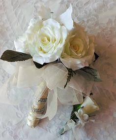 Mira este artículo en mi tienda de Etsy: https://www.etsy.com/listing/238401118/bridal-bouquet-ivory-roses-stephanotis