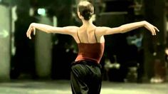Polina Semionova (HD - Ballet - H. Grönemeyer - instrumental) [ I love this modern ballet piece. Beautiful, traditional ballet celebrating the ballerina - in this case the lovely Polina Semionova. Her smile way thru is sweet Polina Semionova, Shall We Dance, Lets Dance, Dance Art, Dance Music, Dance Videos, Music Videos, Frank Mills, Dance Oriental