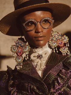 DAZED-Photographing Gucci's model muses Photographer Chloé Le Drezen captures the faces of the house's Cruise 2017 show Fashion Art, High Fashion, Fashion Trends, Queer Fashion, Gucci Fashion, S Models, Black Girl Magic, Fashion Details, Catwalk
