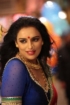 View Pictures of South Indian Actress Shweta Menon Crazy about Swetha Menon? Hottest Models, Hottest Photos, Shweta Menon, Beautiful Girl Image, Beautiful Women, Indian Beauty Saree, Indian Sarees, Indian Models, South Indian Actress