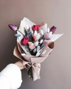 Boquette Flowers, How To Wrap Flowers, Beautiful Bouquet Of Flowers, Beautiful Flower Arrangements, Dried Flower Bouquet, Paper Flowers, Planting Flowers, Floral Arrangements, Beautiful Flowers