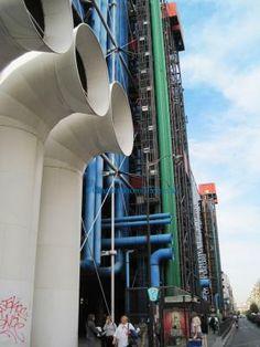 Centre Georges Pompidou #museum #architecture #Paris www.travelfranceonline.com