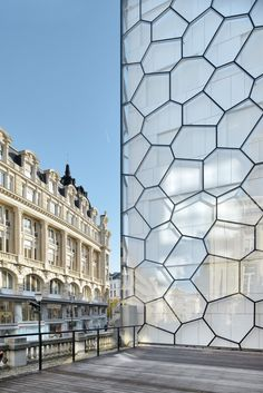 Parlement Francophone Bruxellois. Brussels. Architecture. Design. Parliament. Building. Glass. Honeycomb.