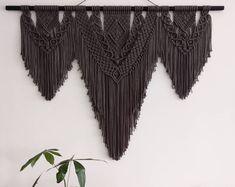Large Macrame Wall Hanging/ Macrame Wandhanger/ Wall Tapestry / Macrame/ Grey/ Large Macrame