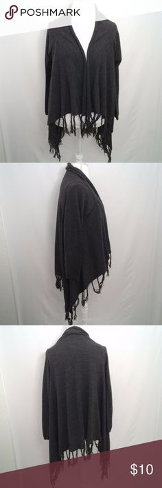 """Love Tree Charcoal Gray Fringed Sweater M/L 27"""" Length 21"""" Arm pit to arm pit * No Rips, Stains, or tears * No Rips, Stains, or tears *All measurements are taken flat and are (Bin B) LOVE TREE Sweaters Shrugs & Ponchos"""