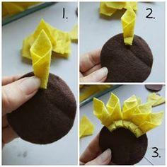 How to make a felt sunflower – TodayweCraft Felt Crafts Diy, Felt Diy, Fall Crafts, Crafts To Sell, Crafts For Kids, Kids Diy, Bead Crafts, Christmas Crafts, Felt Flowers