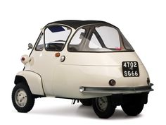 BBC - Autos - Selling the world's largest microcar collection Retro Cars, Vintage Cars, Antique Cars, Fiat 600, Panamera Sport Turismo, Bmw Isetta, Microcar, Miniature Cars, Transporter