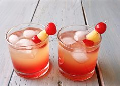 Delicious and refreshing Malibu sunset cocktail. This easy to make, lovely drink offers a beautiful blend of coconut rum, pineapple, and sweet grenadine. Sweet Cocktails, Refreshing Cocktails, Summer Drinks, Holiday Drinks, Easy Mixed Drinks, Layered Drinks, Cocktail Recipes Homemade, Homemade Food, Drink Recipes
