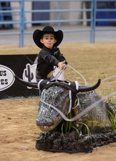 Treston Brazile, son of All-Around World Champion Cowboy Trevor Brazile! He is so stinkin CUTE <3