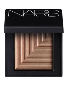 Mesmerising Dual-Intensity Eyeshadow from NARS features a luxuriously smooth transformative texture. It goes on dry for a sheer soft touch of sensual colour may be applied wet for mind-blowing impact with dramatic luminous matte and high shine finishes. Golden Eyeshadow, Shimmer Eyeshadow, Brown Eyeshadow, Mac Eyeshadow, Eyeshadow Brushes, Makeup For Brown Eyes, Blue Eyeliner, Cream Eyeshadow, Nars Dual Intensity Eyeshadow