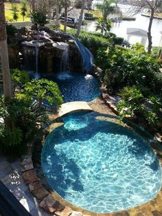 Insanely Cool Lazy River Pool Ideas in Home Backyard Small Swimming Pools, Small Pools, Swimming Pools Backyard, Swimming Pool Designs, Indoor Swimming, Lazy River Pool, Small Backyard Design, Small Backyard Landscaping, Backyard Designs