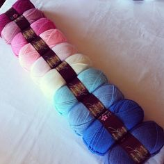 denim, aster, cloud, sherbet, cream, white, candyfloss, fondant, pale rose, raspberry. ombre effect combo in Special DK