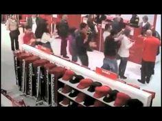 236 | Coca-Cola - La billetera de la felicidad - McCann Lima - YouTube