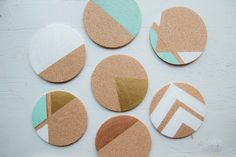 5 Cute Coasters You Can Make Yourself DIY on the Orient Express – Mustache stamped Cork Coasters with color blocking behind Ideas Habitaciones, Diy Dorm Decor, Cute Coasters, Cute Diy Projects, Project Ideas, Creation Deco, Diy Art, Diy Gifts, Cork