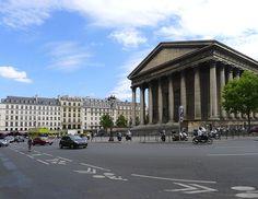 Place de la Madeleine to miejsce, w którym początek mają Wielkie Bulwary paryskie. Sprawdź co jeszcze warto zobaczyć w tej części stolicy Francji.