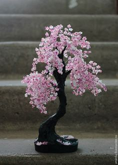 Купить или заказать Сакура в интернет-магазине на Ярмарке Мастеров. Небольшое бисерное деревце в нежных тонах. Поместится на книжную полку..