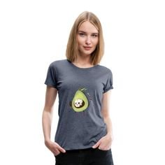 Geschenke Shop | Avocado lustig - Frauen Premium T-Shirt Sweat Shirt, T Shirt Court, Penguin T Shirt, Shirt Designs, T Shirt Vintage, Le Choc, E Mc2, Mode Blog, Cartoon T Shirts