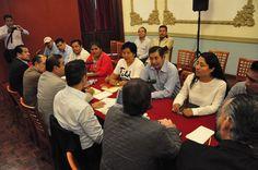 Atiende Gobernador Alejandro Murat  principales demandas del Magisterio de Oaxaca