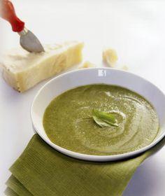 Σούπα πράσινου κολοκυθιού με βασιλικό & παρμεζάνα