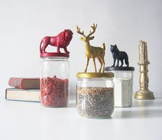Cool Game Of Thrones Diy Decor Ideas 55 image is part of 80 Cool Game of Thrones Decorations Ideas that Should You Try gallery, you can read and see another amazing image 80 Cool Game of Thrones Decorations Ideas that Should You Try on website Game Og Thrones, Game Of Thrones Decor, Game Of Thrones Gifts, Game Of Thrones Party, Game Of Thrones Anniversaire, Game Of Thrones Bedroom, Game Of Thrones Birthday, Game Of Thrones Christmas, Jar Games