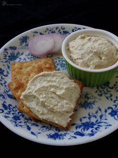 Natierka z kuracieho masa z polievky Bread, Cheese, Desserts, Indie, Food, Tailgate Desserts, Deserts, Breads, Baking
