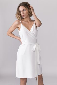 daa0d53e0cf1 #whitedress #springdress #fashion #LanaNguyen #lanamrsalwaysrightdress  #fashionlover Vårklänningar, Vit Klänning