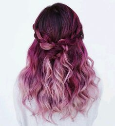 Amazing Purple Ombre Hair Ideas a few years ago, if you thought purple hair … - Hair Women Beauty Magenta Hair Colors, Color Red, Pink Purple Hair, Ombre Purple Hair, Bright Coloured Hair, Colourful Hair, Ombre Colour, Red Ombre, Violet Ombre