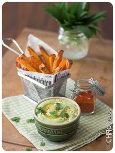 Bärlauch Avocado Dip Dips, Avocado Dip, Cantaloupe, Fruit, Food, German Language, Recipes, Spreads, Crickets