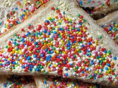 Hundreds & Thousands. This is the food of champion children's parties in Australia. In the and if your birthday party didn't feature fairy bread you were off every birthday party invite list. Aussie Food, Australian Food, Australian Recipes, Fairy Bread, Australia Day, Melbourne Australia, Kiwiana, Gadgets, Thinking Day
