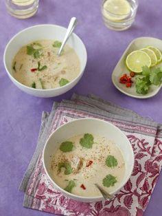 Soupe Tom Kha Kai (Thailande) - Marmiton Tom Kha Kai, Cheeseburger Chowder, Asian Recipes, Fat, Simple, Green Chilli, Vegetarische Rezepte, Food Recipes, Thai Cuisine