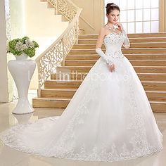Ball Gown Wedding Dress Chapel Train Sweetheart Lace / Tulle with Appliques / Bow / Sequin / Beading 2016 - $159.99