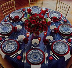I love this for a holiday table setting. Blue Table Settings, Beautiful Table Settings, Christmas Table Settings, Christmas Tablescapes, Holiday Tables, Christmas Decorations, Table Decorations, Setting Table, Patriotic Decorations