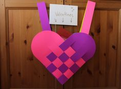 Weave your love into a heart-shaped bag for your Valentine's presents | eHow UK