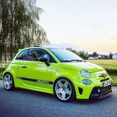 Fancy Cars, Cool Cars, Fiat 500 S, Dodge Muscle Cars, Fiat Cars, Automobile Companies, Fiat Abarth, Car Illustration, Modified Cars