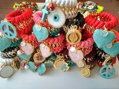 Colección In Love, en diversas tonalidades de colores y dijes engastados. !!!!! Fascinante !!!!!