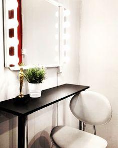 #studiometro Oversized Mirror, Studio, Furniture, Home Decor, Homemade Home Decor, Home Furnishings, Decoration Home, Study, Arredamento