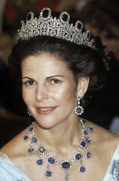 Blue Saphire jewels! 1991, H.M. Queen Silvia of Sweden #royals #sweden #bluewedding #tiara