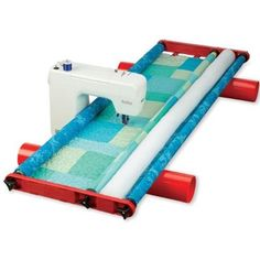 Flynn Multi-Frame Quilting System Makes Hand Quilting Easy and Fun Quilting Frames, Quilting Tools, Longarm Quilting, Free Motion Quilting, Quilting Tutorials, Quilting Projects, Quilting Designs, Sewing Projects, Diy Quilting Frame For Sewing Machine