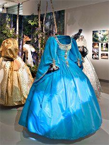 robe couleur du temps (cinémathèque de Paris)