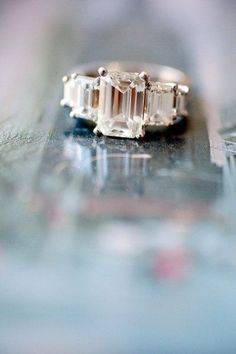 Try out our fun quiz to see what your engagement ring should look like!