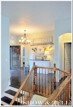 -UPSTAIRS LANDING- I love this table and lamp idea Entry Way idea...